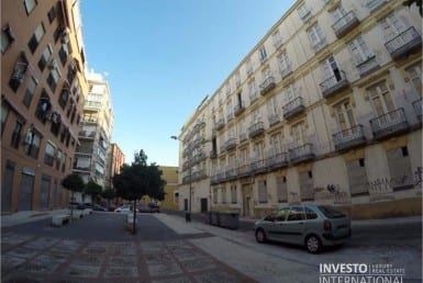 Building to renovate in Malaga